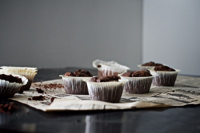 foodphotography_chocolatemuffins_yellowmood_hannamarirahkonen