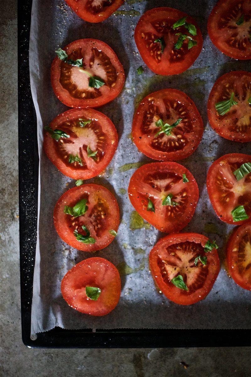 tomaatti-mozzarella-salaatti-helppo-gluteeniton-yellowmood 2