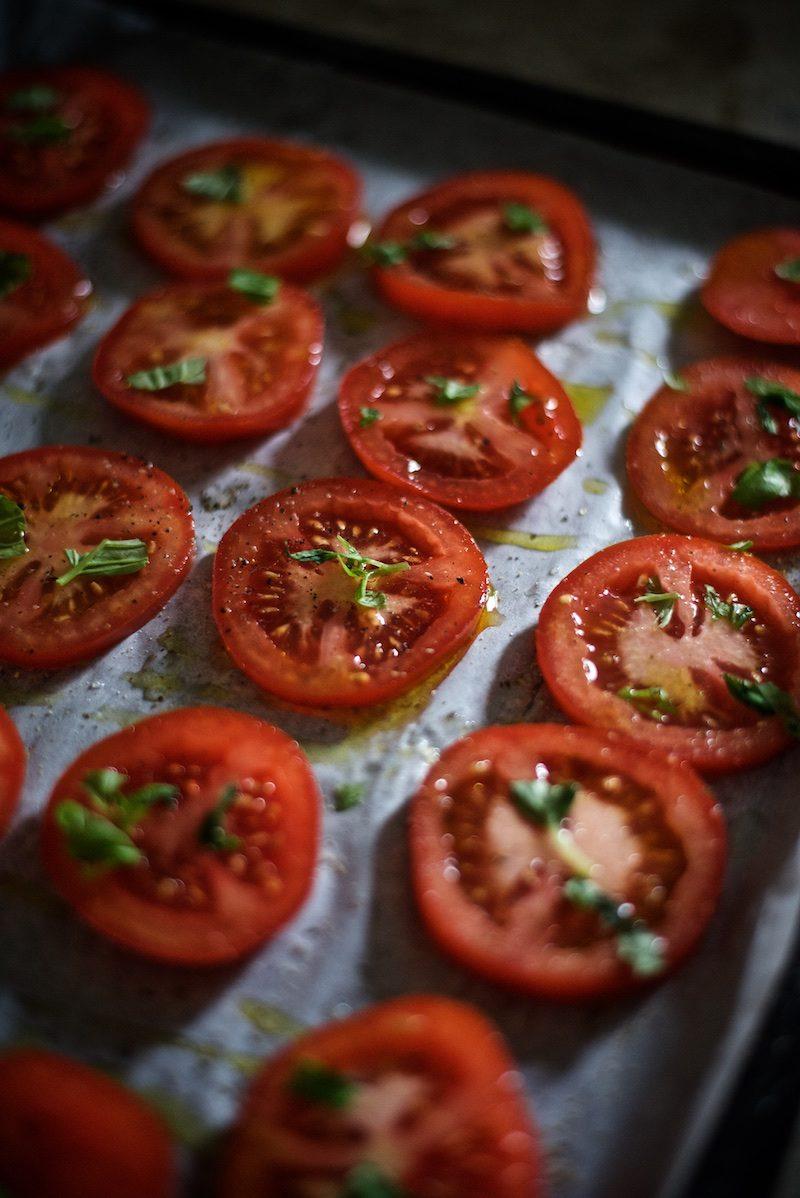 tomaatti-mozzarella-salaatti-helppo-gluteeniton-yellowmood 3