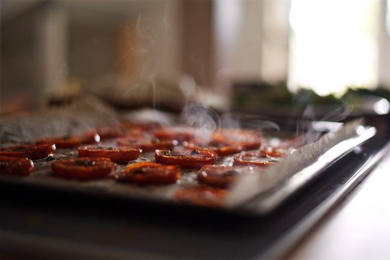 tomaatti-mozzarella-salaatti-helppo-gluteeniton-yellowmood 7
