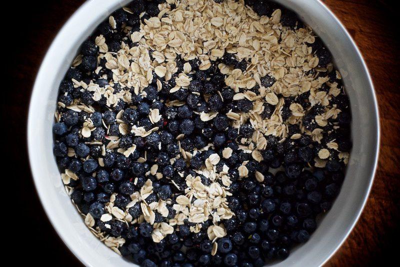 mustikkapiirakka-gluteeniton-mustikkapaistos-mustikka-superfood-hannamarirahkonen-yellowmood 1