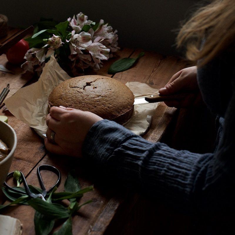 gluteeniton-omena-naked-cake-1