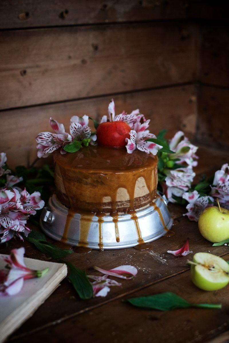 gluteeniton-omena-naked-cake-12