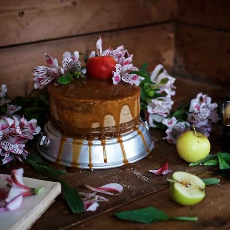 gluteeniton-omena-naked-cake-13