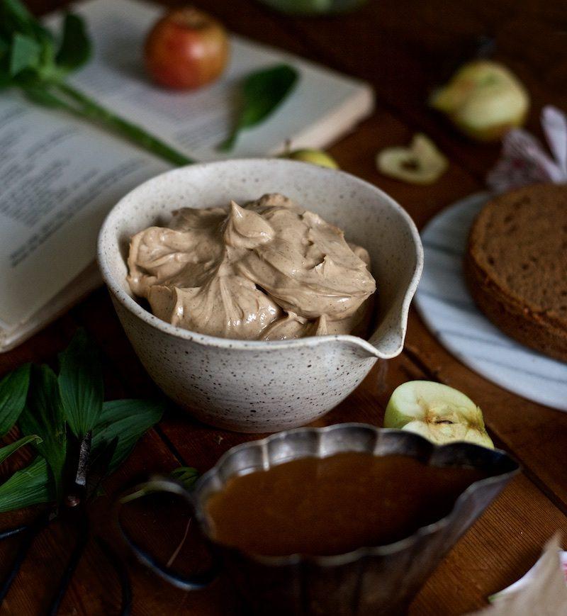 gluteeniton-omena-naked-cake-6
